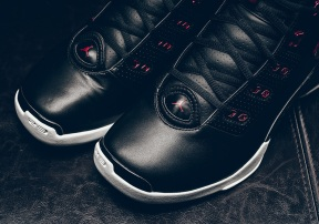 jordan-17-black-red-bulls-reminder-4
